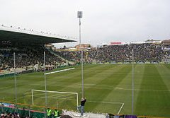 Stadio Ennio Tardini, który zdoła pomieścić 28 783 kibiców.